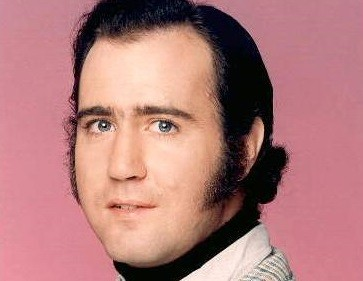 Andy Kaufman officially died from lung cancer in 1984 (Paramount)