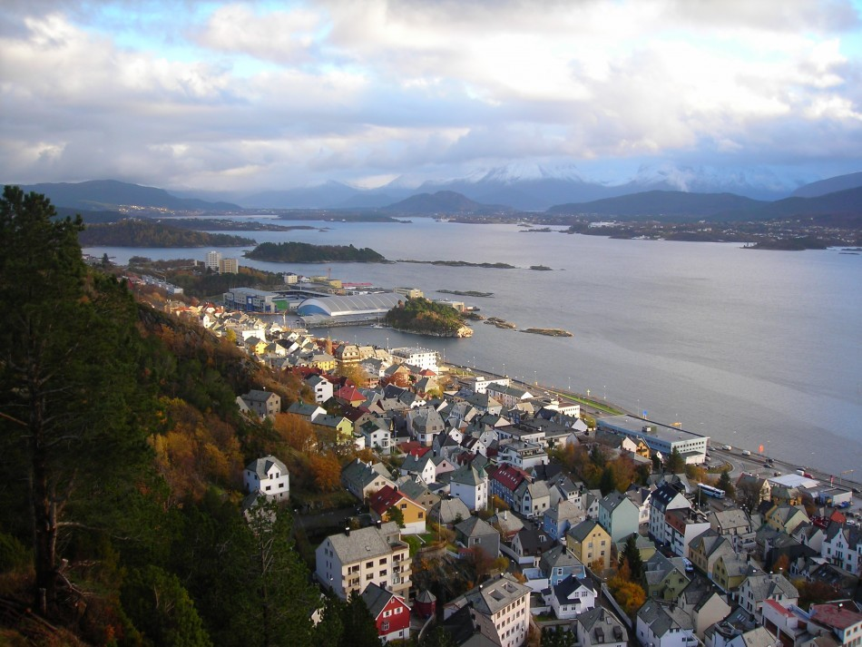 Norway maintained its second place with 7.7 score in Life Satisfaction. In picture: City of Alesund (Photo: stock.xchng)