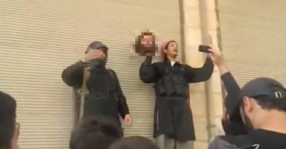 Syria rebels behead