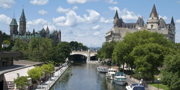 Canada ties with Austria at 7.4 score in Life Satisfaction this year. In picture: The Canadian Parliament (left), the Rideau canal and the Fairmont Chateau Laurier hotel in Ottawa (Photo: stock.xchng)