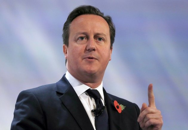 David Cameron has pledged an extra £30m in aid for Typhoon Haiyan victims as the official death toll rises to 3,633. (Reuters)