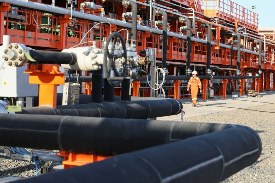 Oil Futures Mixed as Demand-Supply Mismatch Surfaces