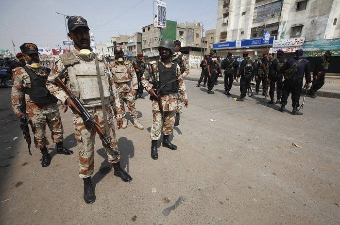 The Pakistan army has imposed a curfew throughout the city of Rawalpindi after eight Sunni Muslims were killed in sectarian violence on Friday. (Reuters)