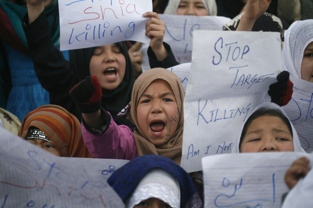 Shia girls protest against targeted killings, which claimed the lives of hundreds of Shia Muslims across Pakistan in 2012. (Reuters)