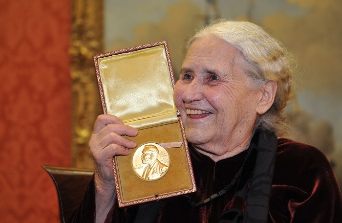 Author Doris Lessing has died peacefully in her sleep at the age of 94.