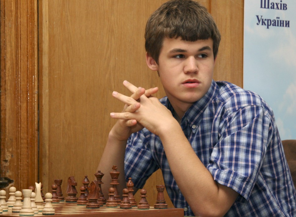 A17-year-old Carlsen takes part in the Aerosvit 2008 International Chess Tournament in the Black Sea resort of Foros in southern Ukraine