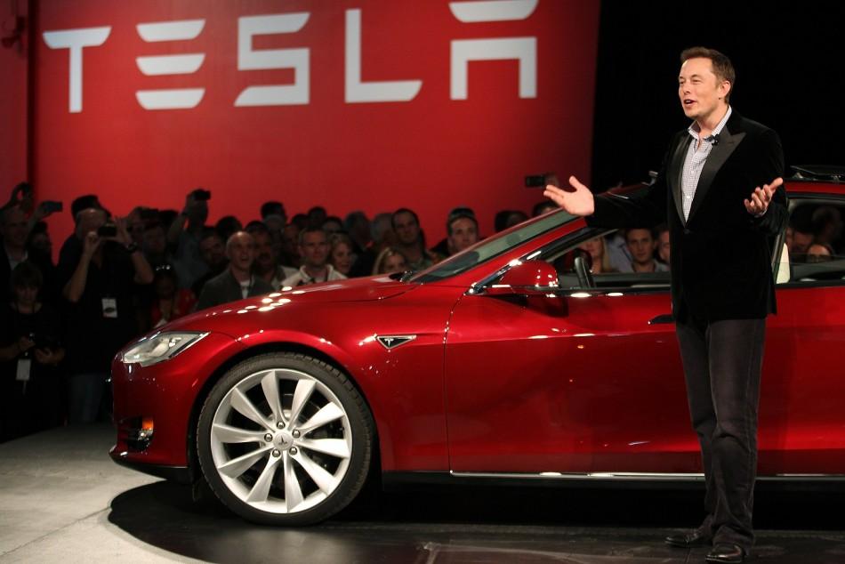 Tesla Model S iphone