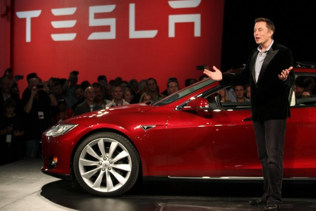 Tesla Model S / Elon Musk