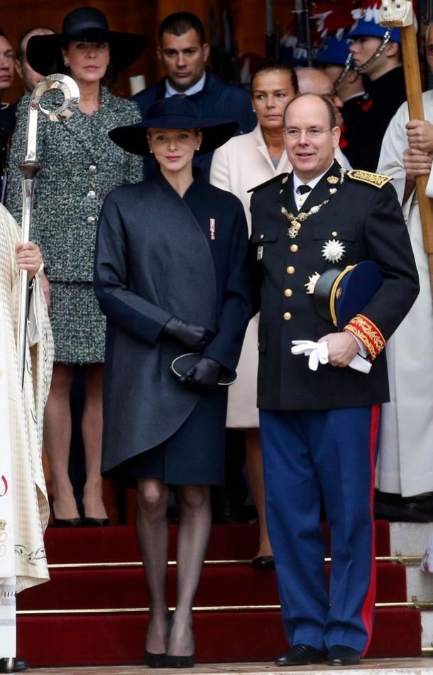 Princess Charlene and Prince Albert leave Monaco Cathedrale with Princess Caroline of Hanover and Princess Stephanie after a mass during Monaco's National Day. (Photo: REUTERS/Eric Gaillard)