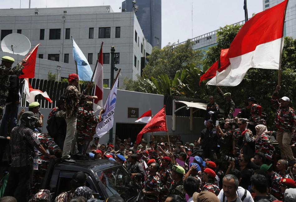 Jakarta embassy protest australia