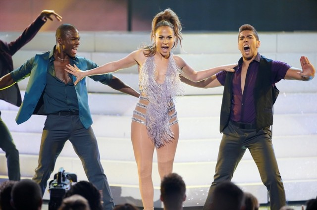 Jennifer Lopez performs a tribute to singer Celia Cruz