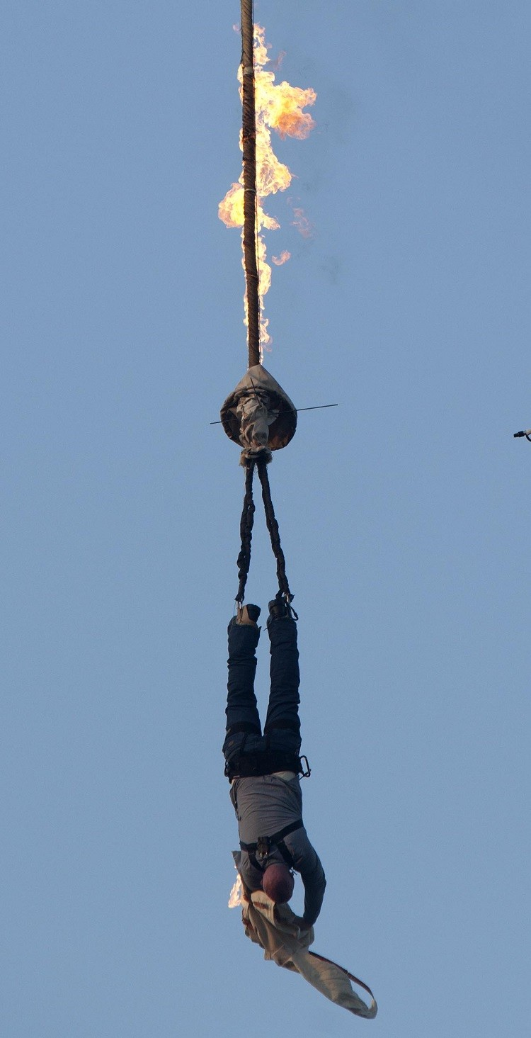IBTimes has an exclusive sit down with the British modern day Houdini Jonathan Goodwin (Photo: Courtesy of BBC)