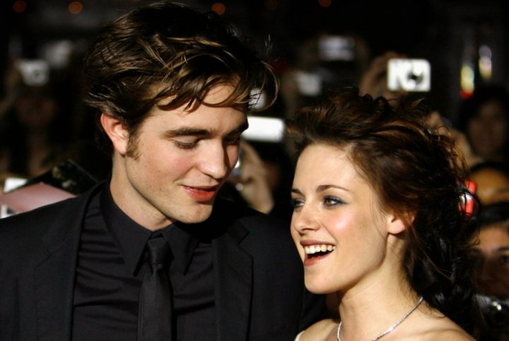 Kristen Stewart is reportedly preparing traditional English cuisines for Robert Pattinson on Thanksgiving.(Reuters)