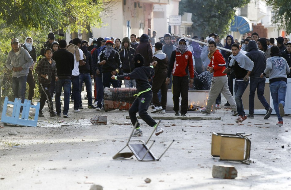 Protesters clash with police in Siliana, 130 km (81 miles) southwest of capital Tunis,