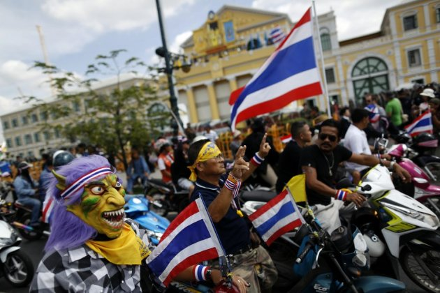 Anti-government protesters storm army headquarters in Thailand