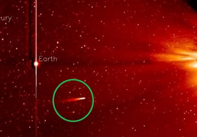 Comet Ison (circled) on course to the Sun (right)