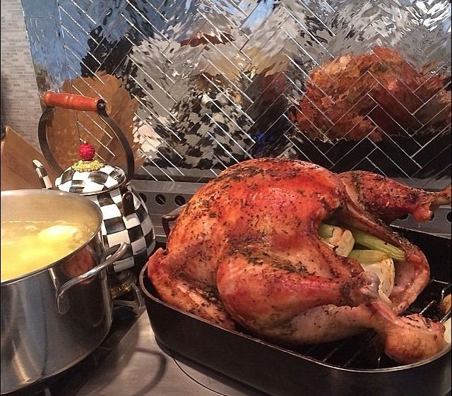 Kris Jenner tweeted a picture of the turkey[Twitter]