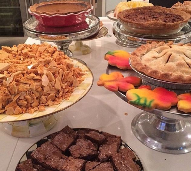 The family matriarch also shared a picture of the desserts[Krisjenner/Instagram]