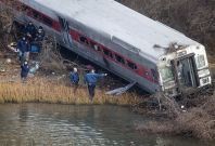 Bronx train derails