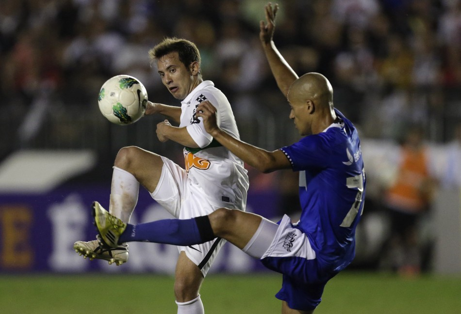 Everton Ribeiro.jpg