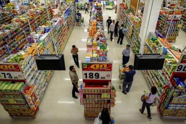 Thai consumer confidence near 2-year low on political turmoil