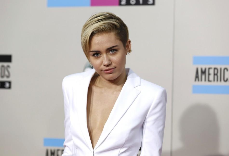 Miley Cyrus Bans Twerking On Bangerz Tour