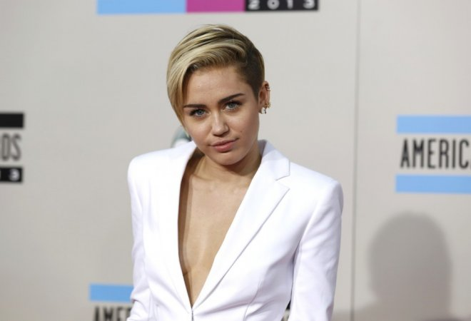 Miley Cyrus Bans Twerking On Bangerz Tour