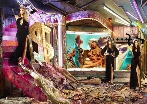 Did The Kardashians Send Out Illuminati Christmas Card