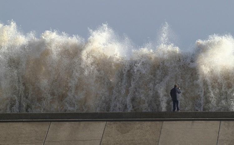 Tidal surge in Britain triggers