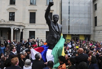 Nelson Mandela statue in Washington