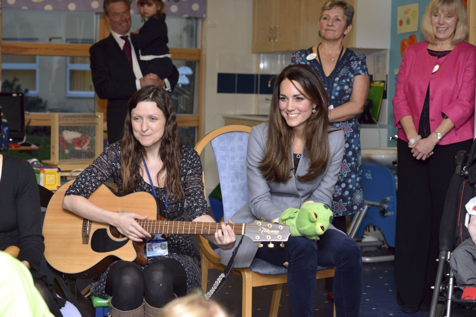 The Duchess also joined in with a music therapy session. (Photo: REUTERS/Bradley Page)