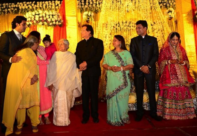 Abhishek Bachchan, Jaya, Aishwarya Rai Bachchan and Aaradhya  in Bhopal at family wedding. (Facebook/AmitabhBachchan)