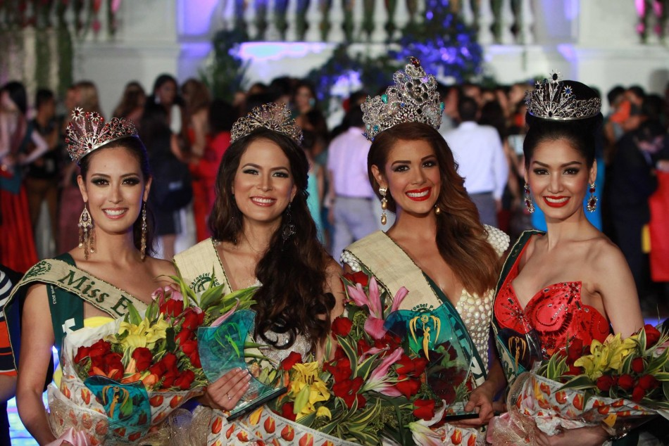 Alyz Henrich of Venezuela and her court: Katia Wagner of Austria (Miss Air), Punika Kulsoontornrut of Thailand (Miss Water) and Catharina Choi of Korea (Miss Fire). (MissEarthPageant/Facebook)
