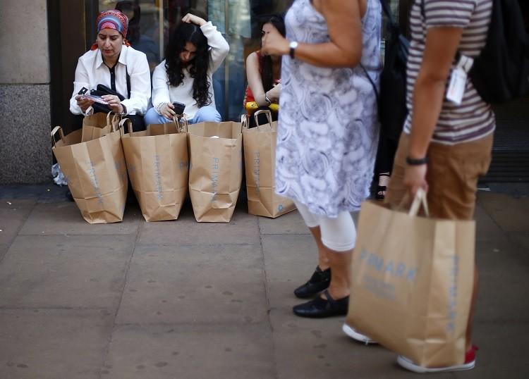 UK consumer spending