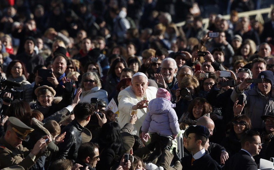Pope Francis insists he does not fear assassins when he leaves the Pope mobile
