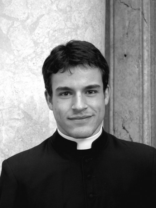 Hot Calendario.Sexy Priest Vatican S Hottest Clerics Calendar 2014 On