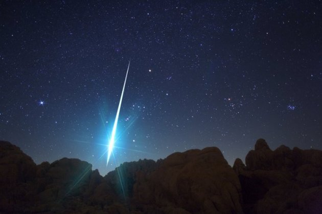 One of the best displays of fireballs can be seen in the Geminid meteor shower. (Photo: Nasa).
