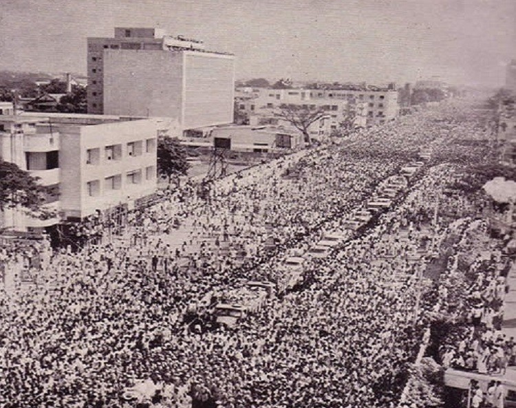 Crowds gather to pay tribute to C N Annaduri