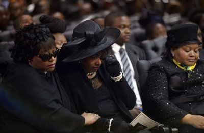 Zindzi L, daughter of former South African President Nelson Mandela, attends his funeral ceremony in Qunu December 15, 2013. Reuters picture
