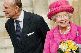 Queen Reopens Kensington Palace