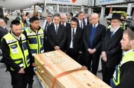 French Minister Accompanies Bodies back to Israel for Burial