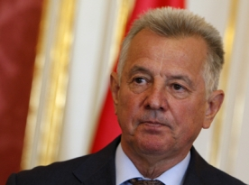 Hungarian President Quits In Plagiarism Row