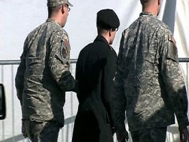 US soldier and Wikileaks Suspect arrives for pre trial hearing