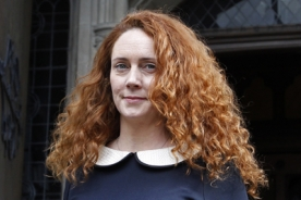 Phone-hacking police charge Rebekah Brooks