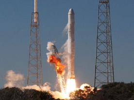 Private company to make space history