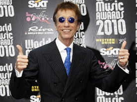 Robin Gibb of The Bee Gees dies of Cancer