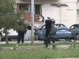 Car bomb in Turkey: two policemen dead, dozens injured