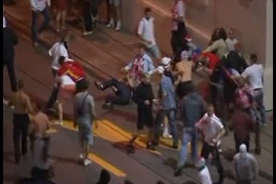Euro 2012 clashes: 140 arrested, 10 injured in Warsaw