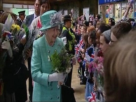 Thousands turn out to see The Royals in East Midlands