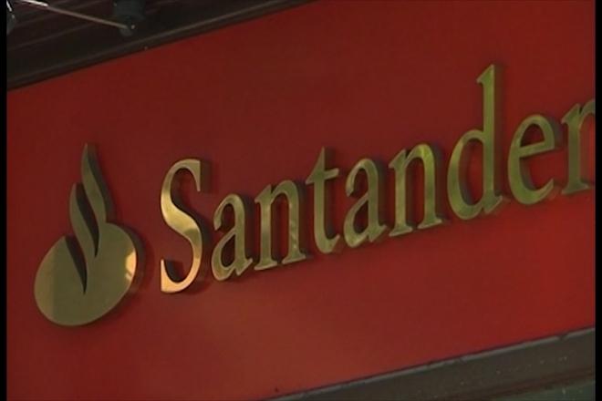 Moody's cuts ratings of 28 Spanish banks